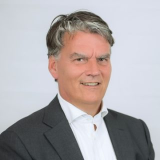 Hans J.M. Oomes